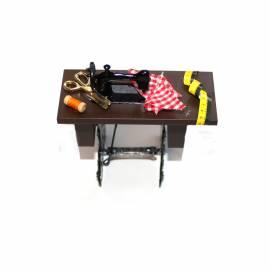 Miniatiūrinė siuvimo mašina